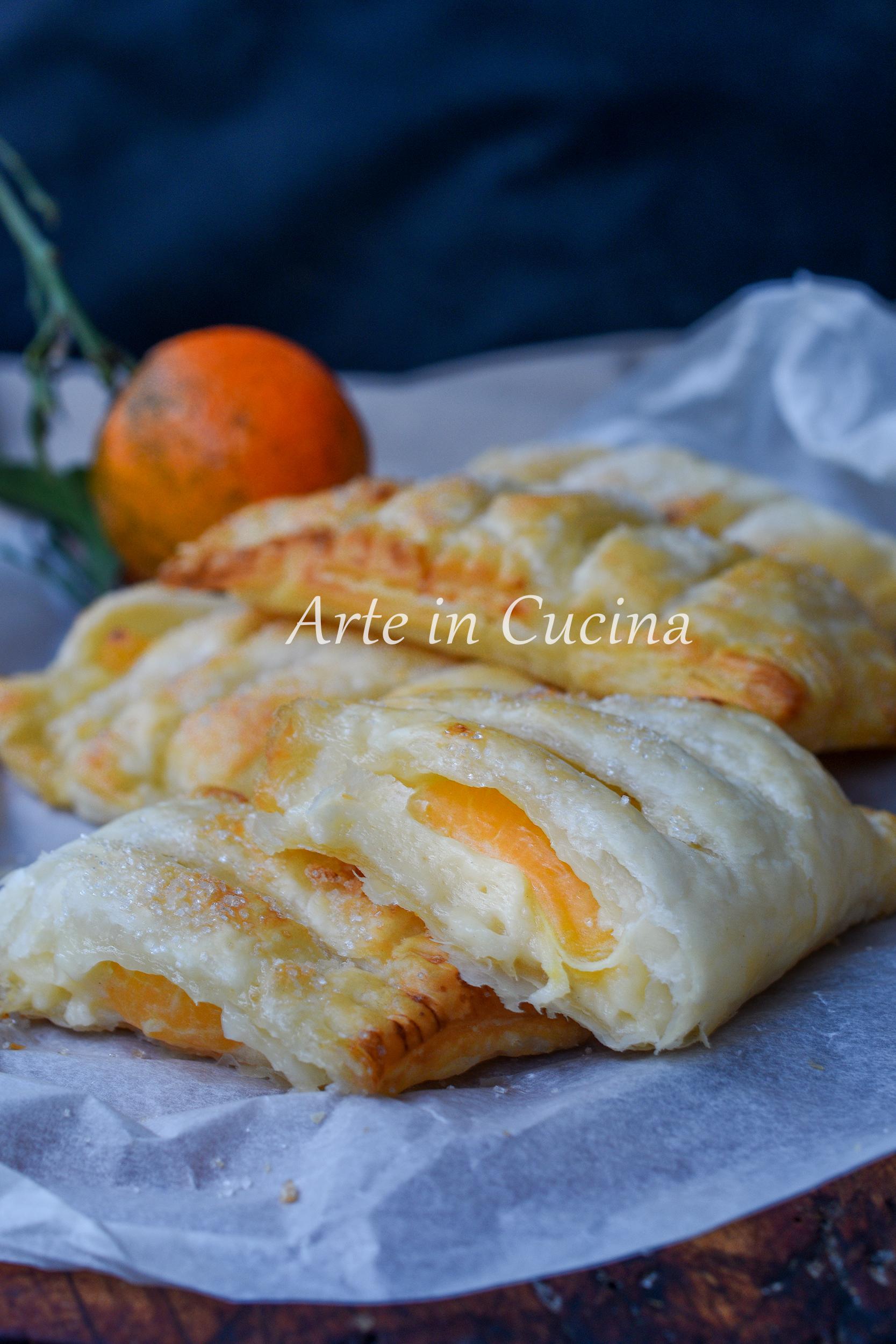 Sfogliatine con crema e clementine