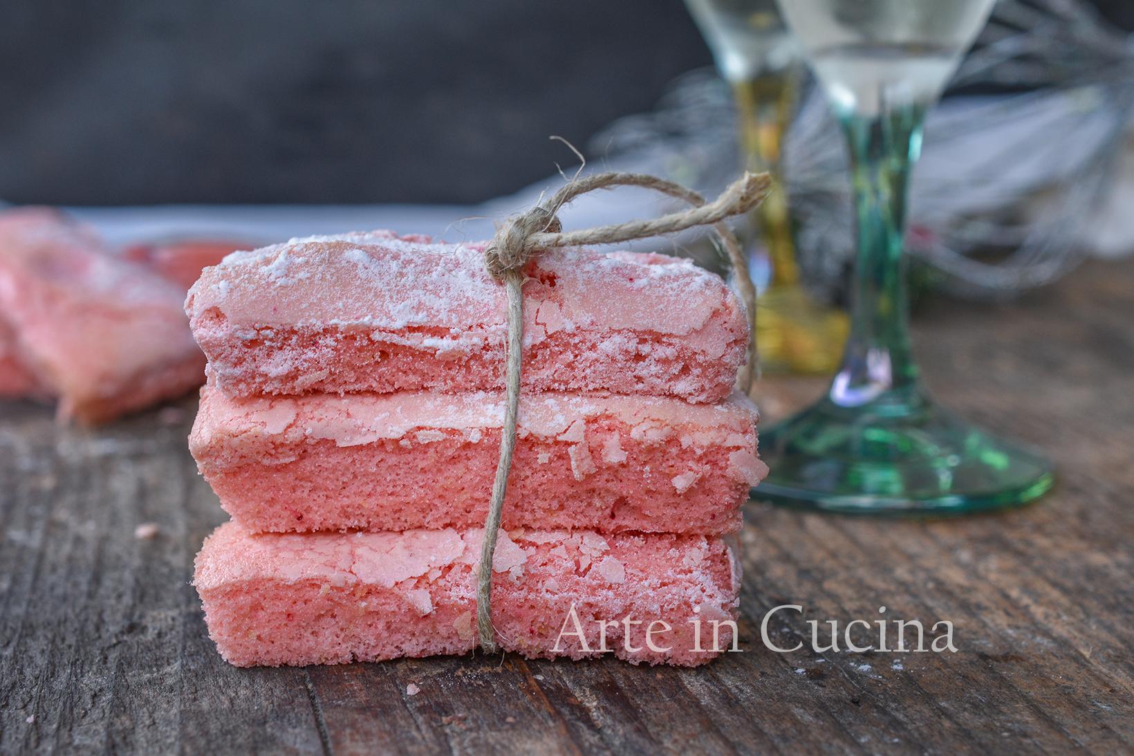 Biscotti rosa di Reims per lo champagne