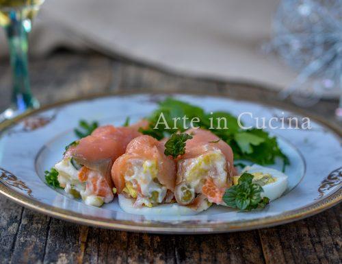 Coni di salmone alla russa antipasto veloce