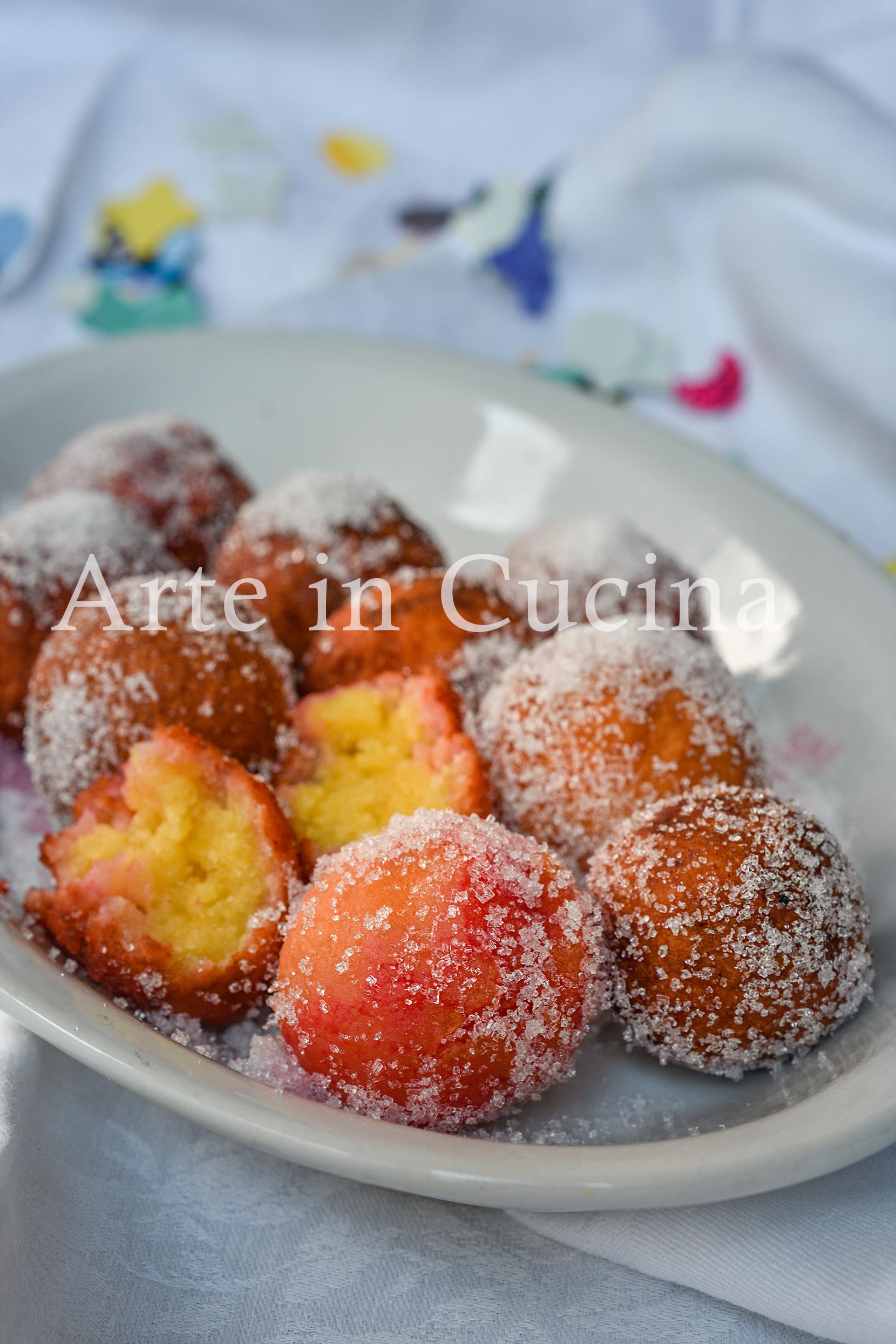 Castagnole all'alchermes dolci di Carnevale