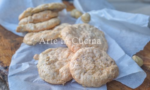 Finti biscotti alle nocciole senza farina