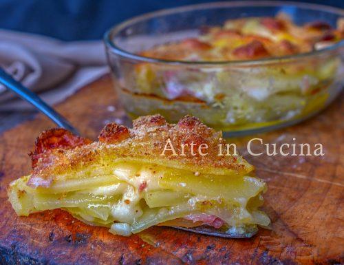 Parmigiana veloce di patate e speck