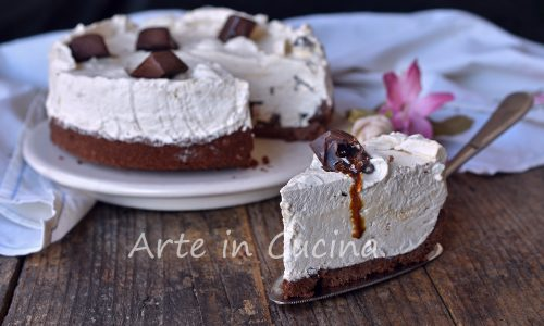Cheesecake con pocket coffee e pan di stelle