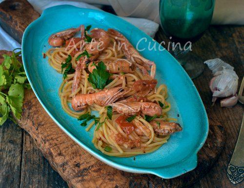Spaghetti con scampi primo di pesce