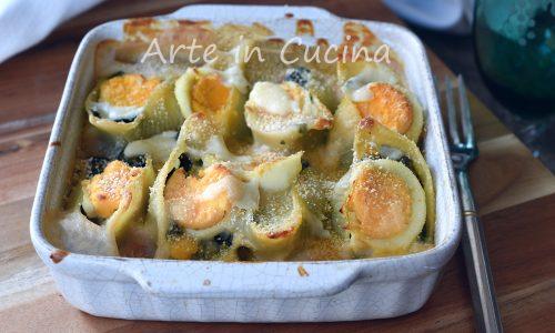 Conchiglioni con spinaci e uova in bianco