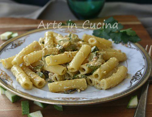 Pasta con zucchine fritte cremosa
