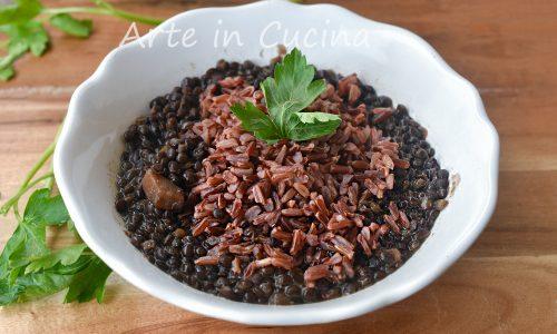 Zuppa di lenticchie nere e riso rosso