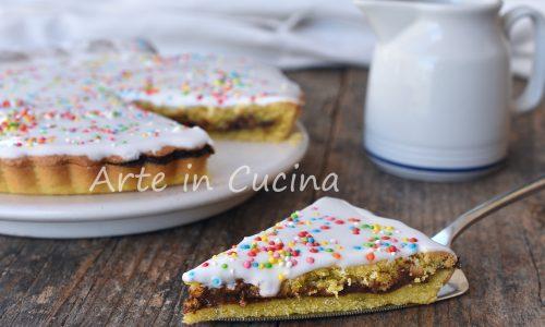 Crostata di Pasqua dolce con crema al cioccolato