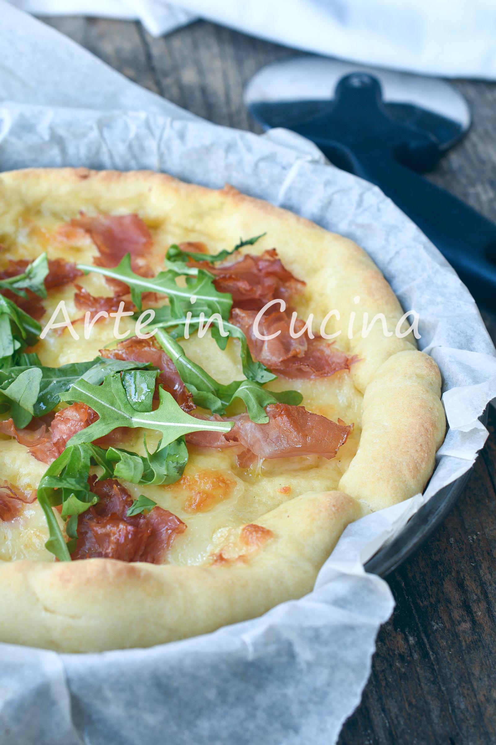 Crostata di pizza prosciutto e fiordilatte