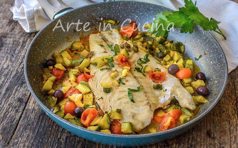 Filetto di pesce persico con capperi e verdure secondo leggero
