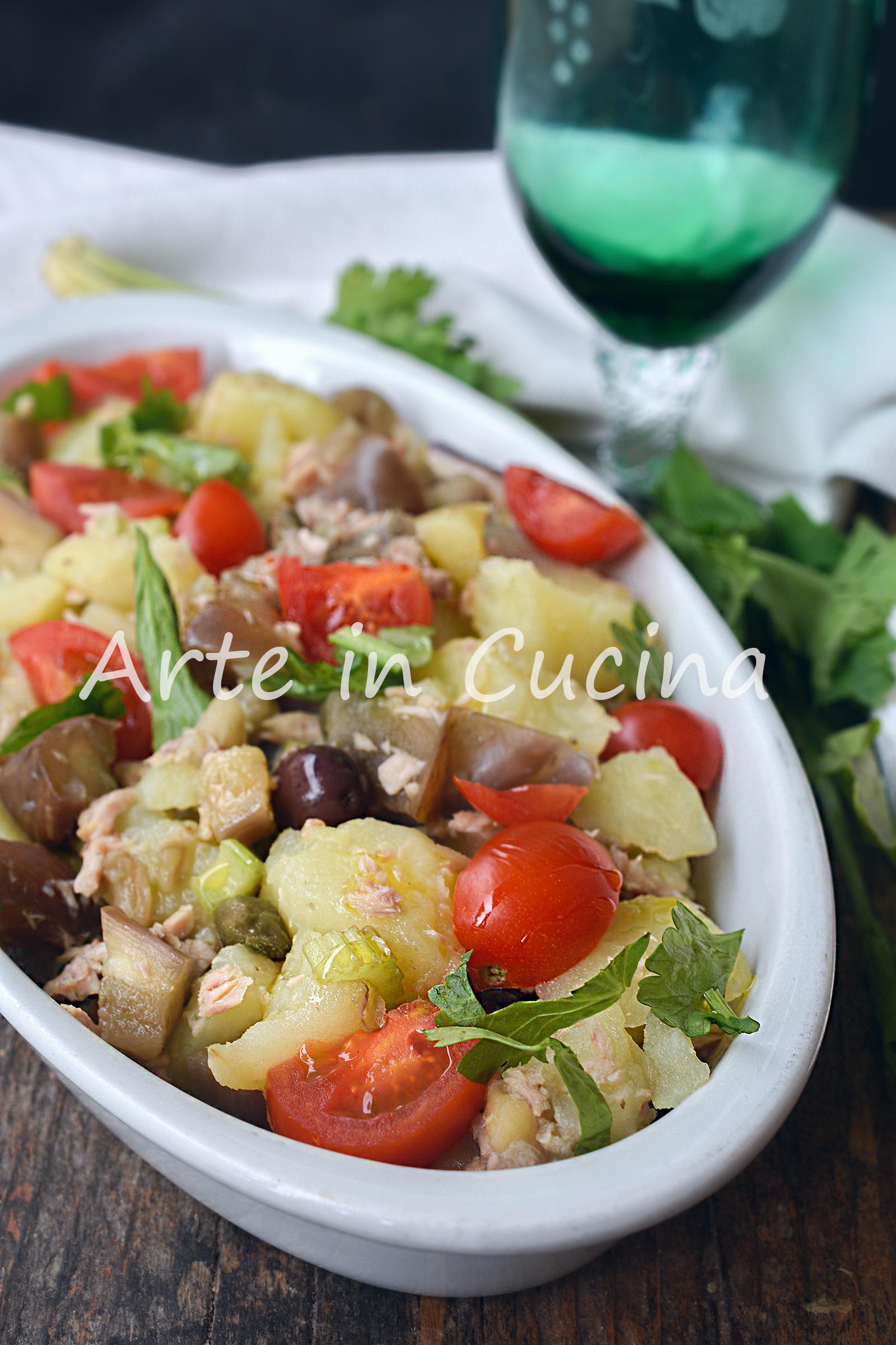 Insalata di patate e melanzane con capperi e olive