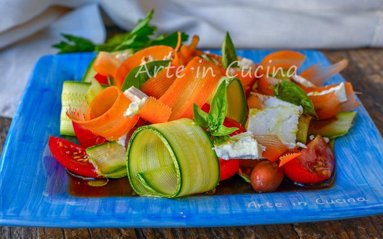 Insalata di zucchine all'aceto crude o cotte