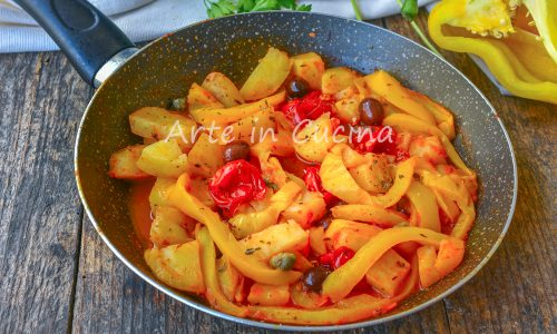 Patate peperoni e pomodorini in padella