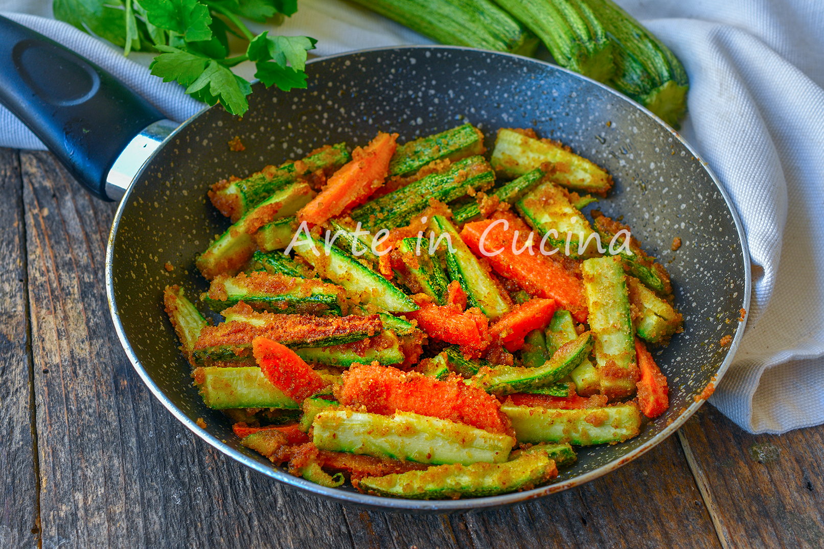 Zucchine e carote sabbiose in padella