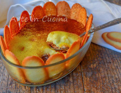 Dessert alla doppia crema pasticcera