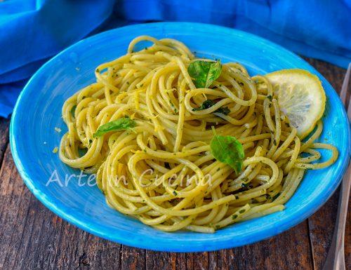 Spaghetti al pesto di limoni ricetta procidana