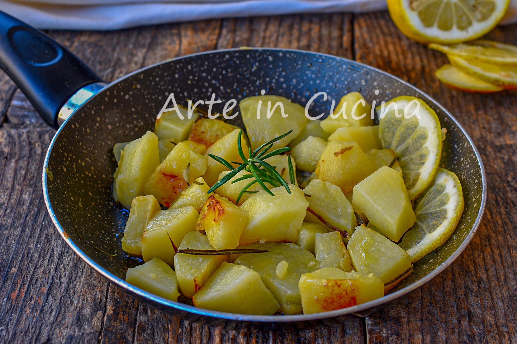 Patate marinate al limone e rosmarino in padella