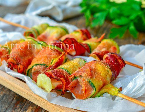 Spiedini di zucchine e speck gratinati 10 minuti