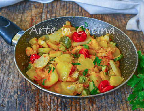 Patate alla marinara con zucchine in padella