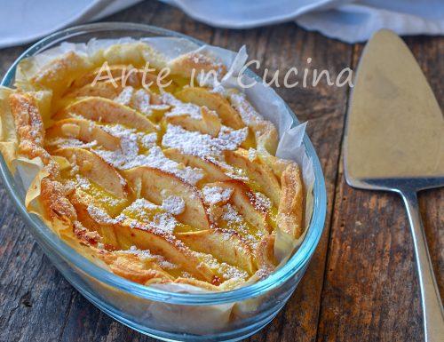 Torta di mele con crema di mandorle e limone