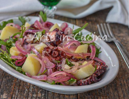 Polpo con cipolle all'insalata