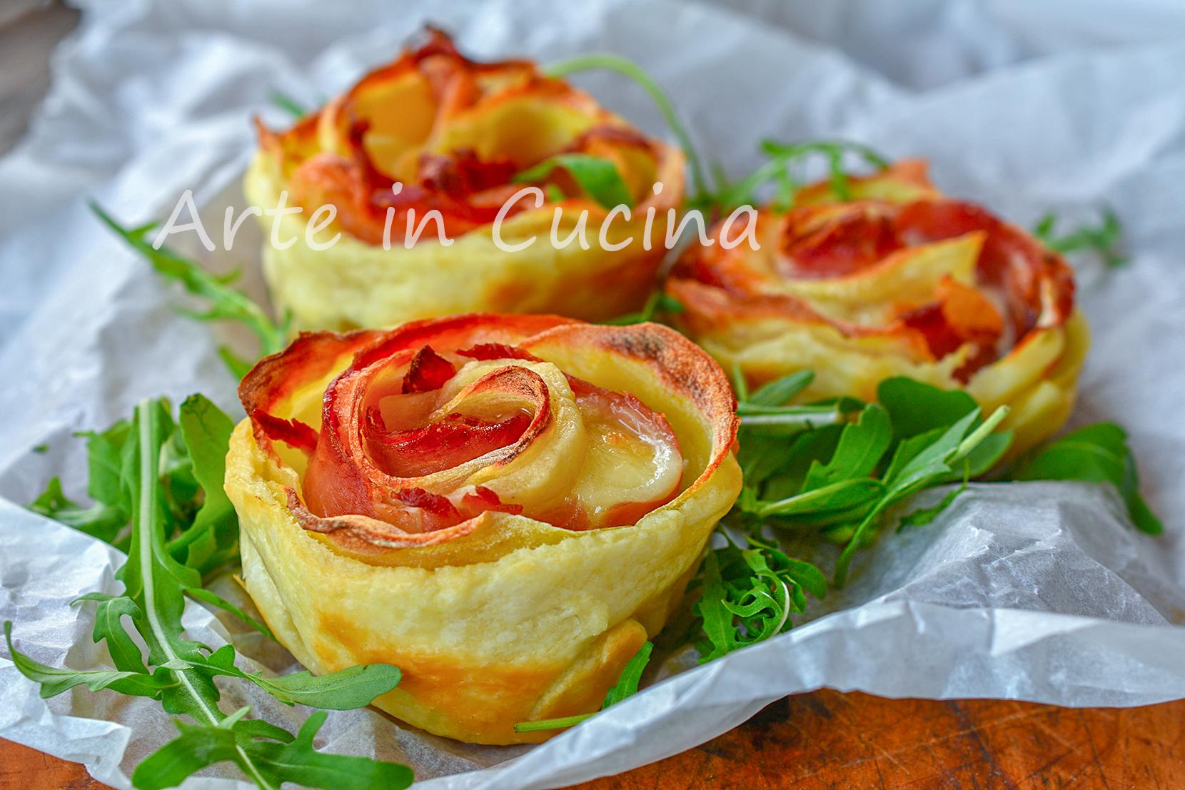 Rose di patate e speck con sfoglia veloci antipasto Natale
