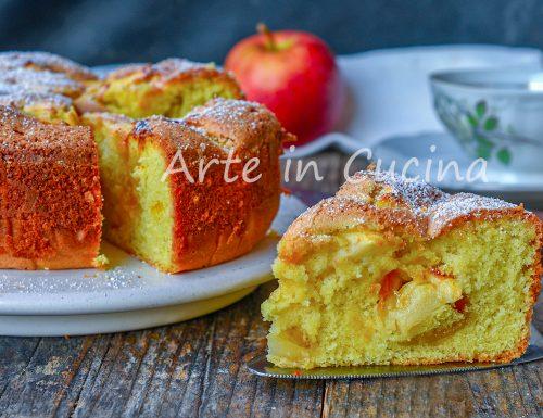 Torta quattro quarti con mele e marmellata