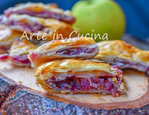 Torta di sfoglia alle mele con noci e marmellata veloce