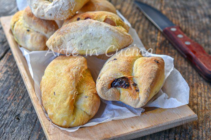 Panini olive e noci antipasto ricetta della mamma