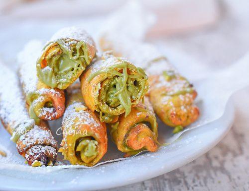 Cannoncini al pistacchio biscotti ripieni
