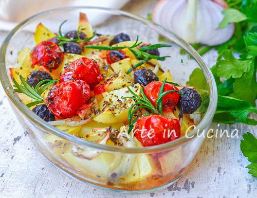 Patate alla mediterranea al forno o in padella