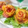 Rose di patate e bacon al forno secondo o antipasto