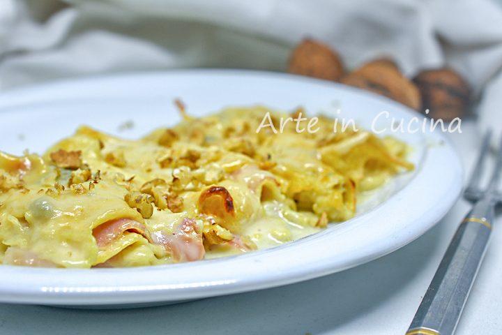 Teglia di crepes gorgonzola e noci