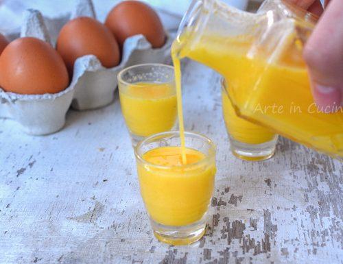 Vov liquore all'uovo fatto in casa