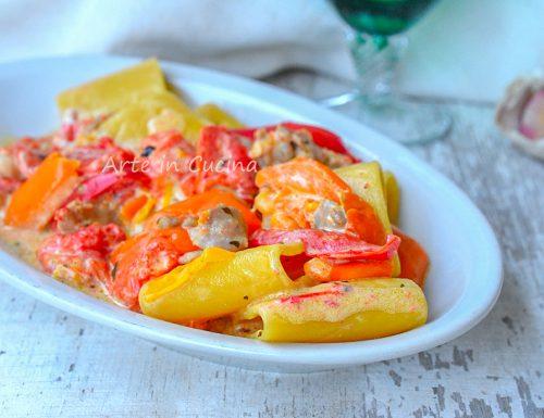 Paccheri peperoni e salsiccia cremosi