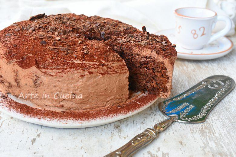 Torta despacito al forno con panna e cioccolato