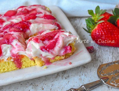 Torta di fragole paradiso con mascarpone veloce