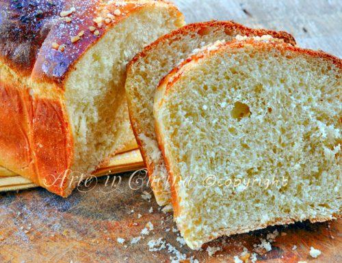 Pan brioche con pasta madre o lievito di birra all'arancia