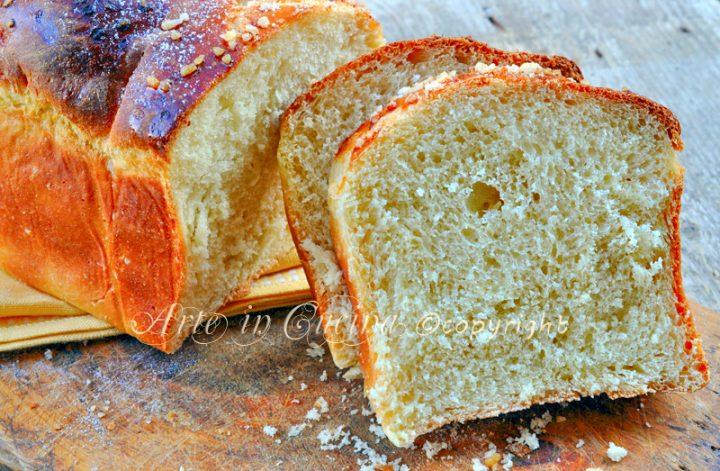 Pan brioche all'arancia con pasta madre o lievito di birra