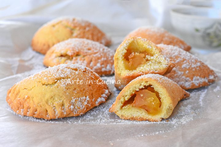 Pasticcini di mele napoletani biscotti ripieni