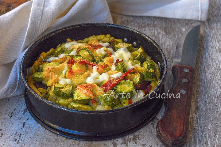 Sbriciolata zucchine e speck salata