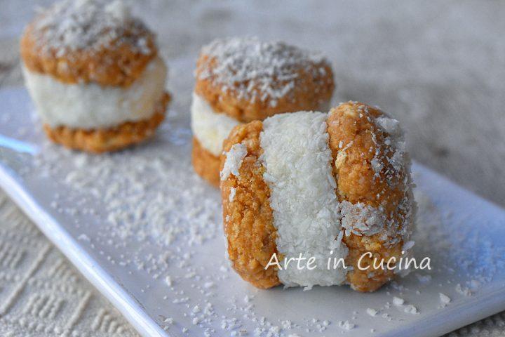 Biscotti freddi con crema al cocco