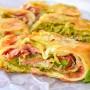 Pane arrotolato farcito con zucchine veloce