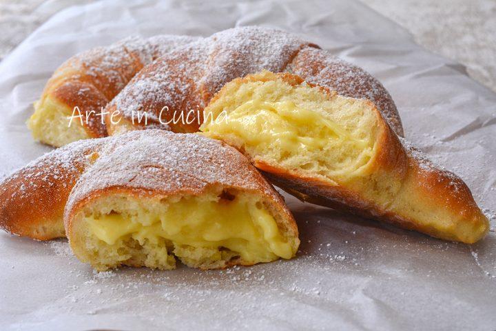 Cornetti al limone con crema