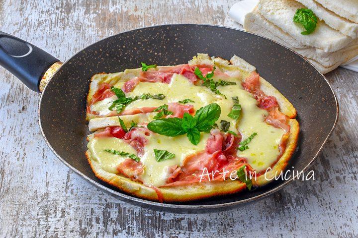 Pizza con pancarrè al prosciutto in padella