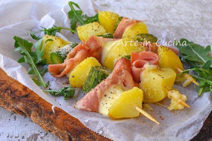 Spiedini di patate zucchine e mortadella in padella