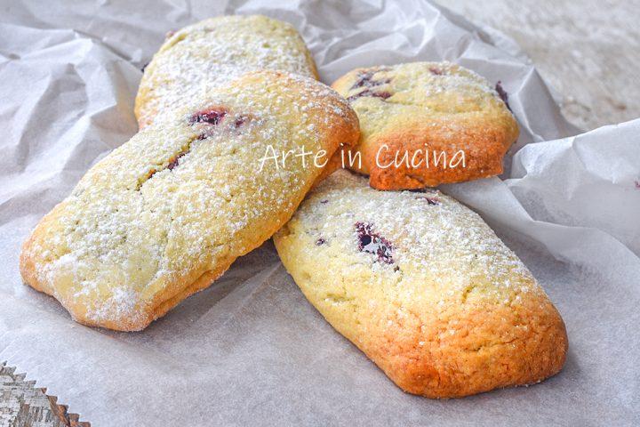 Biscottoni alla marmellata zuccherati