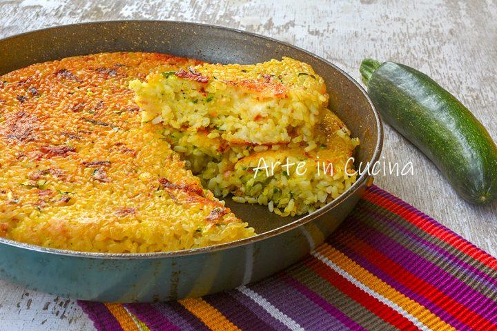 Torta di riso e zucchine in padella