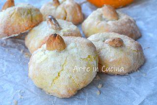 Biscotti zuccherati all'arancia