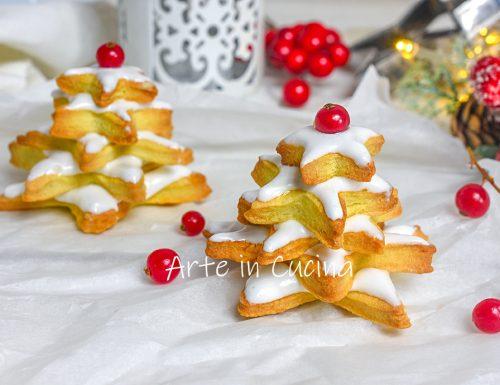 Biscotti albero di Natale alla cannella